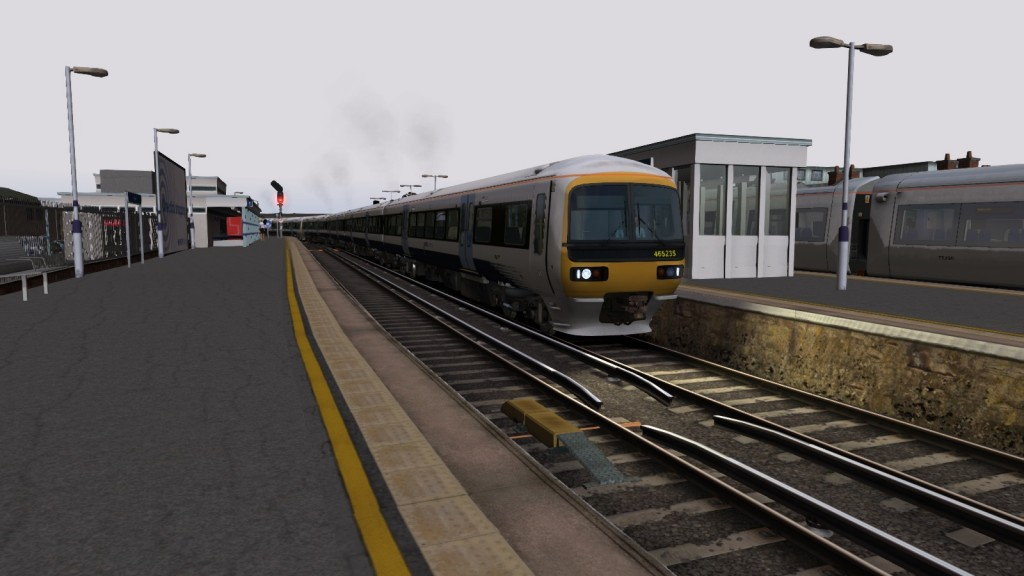 Southeastern Networker at Strood - note it is a 166 Reskin (Some people have been upset by this and have posted about it on the official RSC page too :'( )
